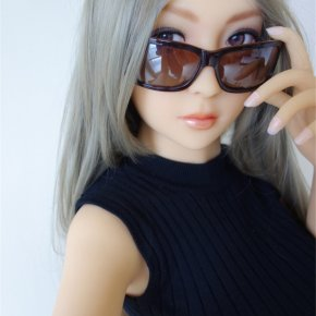 Free Shipping 3D Singapore girl sex doll