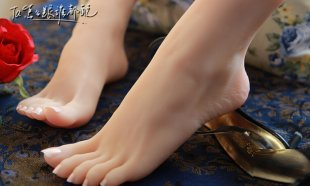 Top Quality Nice Fetish Feet,Fake Feet for Training,Foot Fetish Toys,Worship Foot