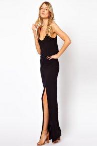 black condole belt of the dress