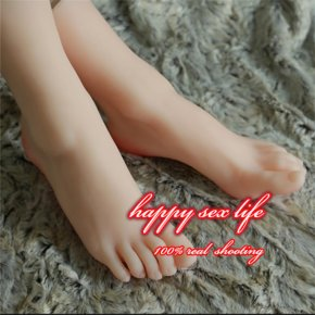 The little girl Lolita feet real female model simulation model of feet foot fetish